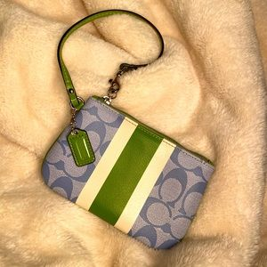 Coach | Small Wristlet | Green Apple